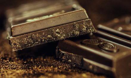 10 health benefits of dark chocolate – know the exact calories to eat