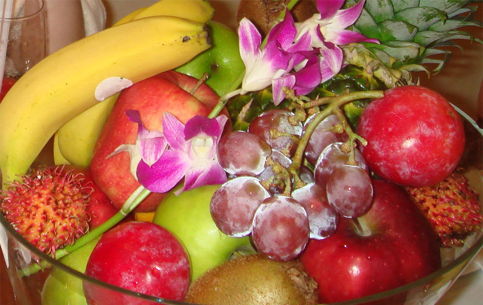 List of fruits with the highest vitamin C content